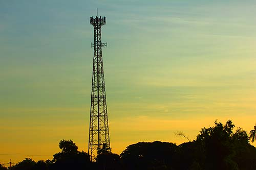 Aspects You Should Look for When Choosing the Best Cell Tower Expert.